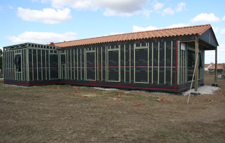 chantier maison bois construction bois agrandissement en ossatures bois omea maison bois. Black Bedroom Furniture Sets. Home Design Ideas